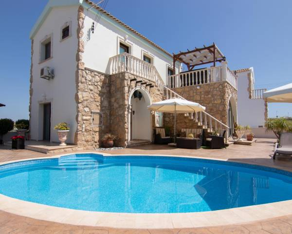 MLS10093 Stunning 3 bedroom Villa in Vrysoulles