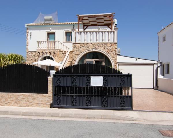 MLS10093 Stunning 3 bedroom Villa in Vrysoulles