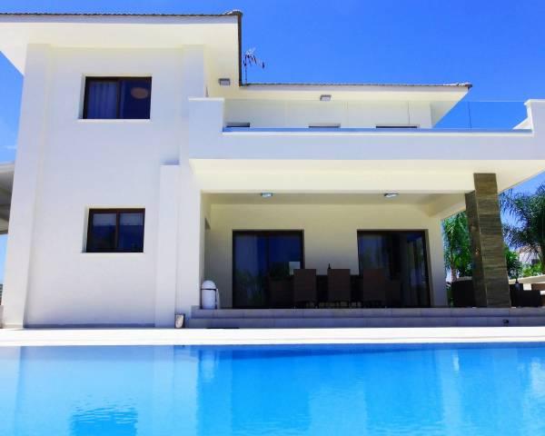 MLS10110 4 Bedroom Detached Villa in Cape Greko