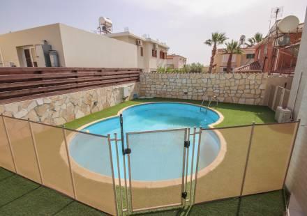 4 Bedroom Villa in Tersefanou <i>€ 275,000)}}