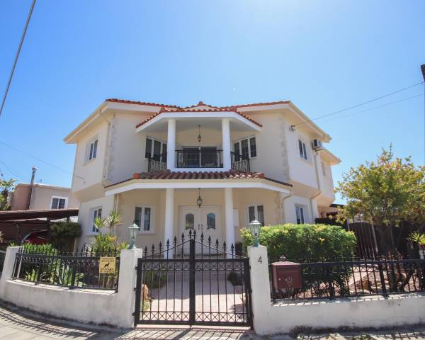 MLS10140 Four Bedroom Detached Family House in Alethriko