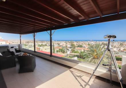2 Bedroom Apartment in Oroklini <i>€ 248,950)}}