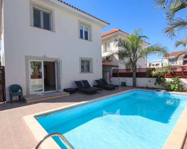 MLS10356 Three Bedroom Detached Villa in Dhekelia Road