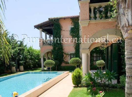 5 Bed Villa In Pyrgos