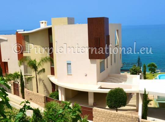 Luxury 6 Bed Villa In Chloraka