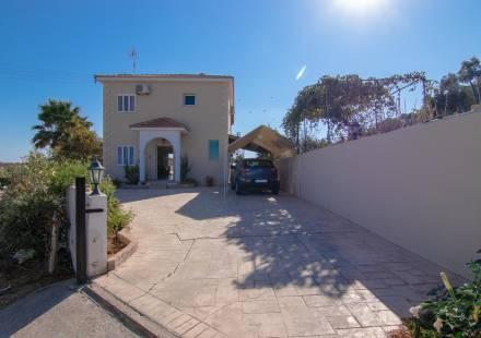 3 Bedroom Villa in Frenaros <i>€ 259,000)}}