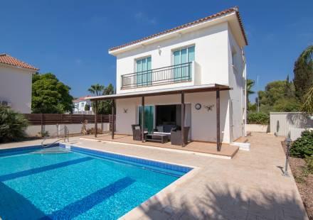 3 Bedroom Villa in Ayia Thekla <i>€ 350,000)}}