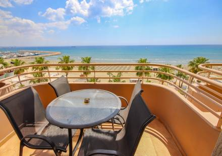 2 Bedroom Apartment in Larnaca Town <i>€ 450,000)}}