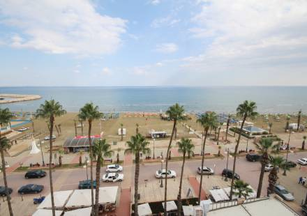 2 Bedroom Apartment in Larnaca Town <i>€ 450,000)}}