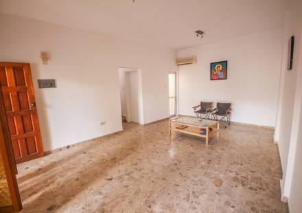 2 Bedroom Townhouse in Larnaca Town <i>€ 145,000)}}