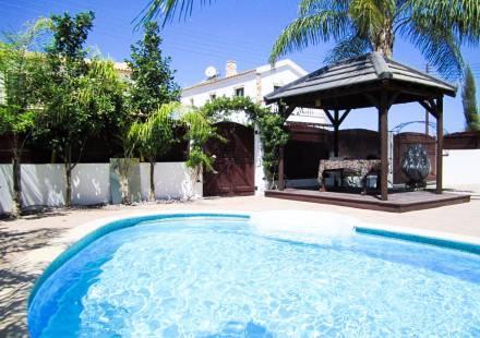 3 Bedroom Villa in Vrysoules <i>€ 210,000)}}