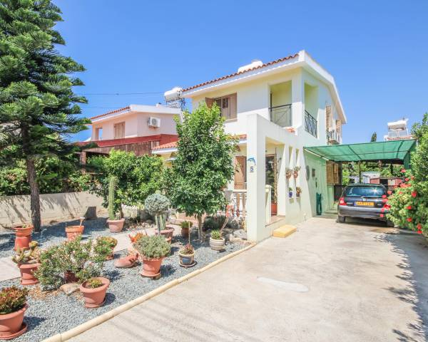 MLS3874 Three Bedroom House in Mazotos