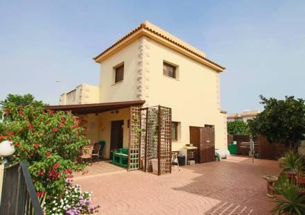 3 Bedroom Villa in Liopetri <i>€ 189,000)}}