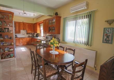 3 Bedroom Villa in Liopetri <i>€ 179,000)}}