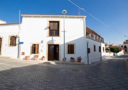 2 Bedroom Villa in Oroklini <i>€ 199,950)}}