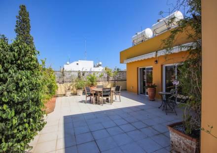 3 Bedroom Apartment in Larnaca Town <i>€ 210,000)}}