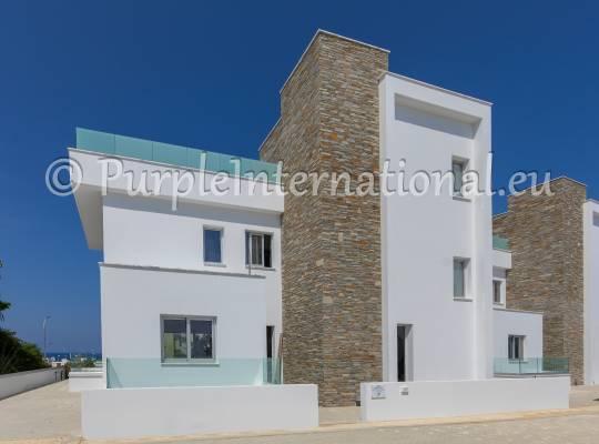 6 Bedroom Luxury Villa in Fig Tree Bay