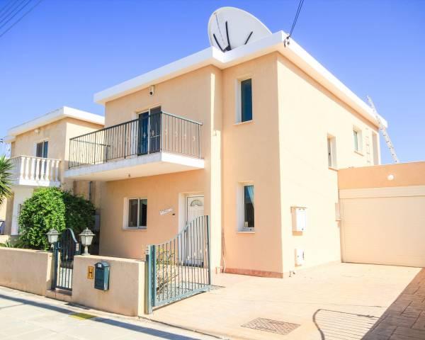 MLS4801 3 bedroom villa in Xylofagou with Title deeds