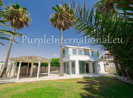 Three Bedroom Beachfront House on the Dhekelia Road