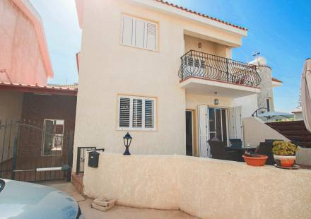 3 Bedroom Villa in Paralimni <i>€ 200,000)}}