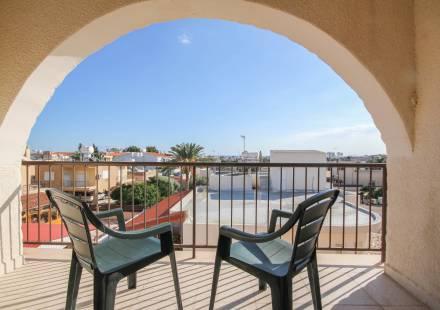 2 Bedroom Apartment in Oroklini <i>€ 75,000)}}