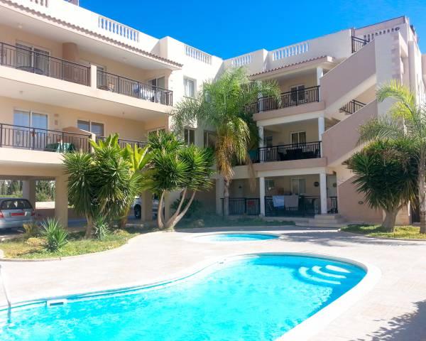 MLS5352 3 Bedroom Penthouse Apartment in Universal