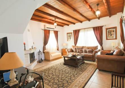 3 Bedroom Villa in Vrysoules <i>€ 159,950)}}