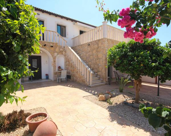 MLS7195 Beautiful 3 bedroom villa in Vrysoulles