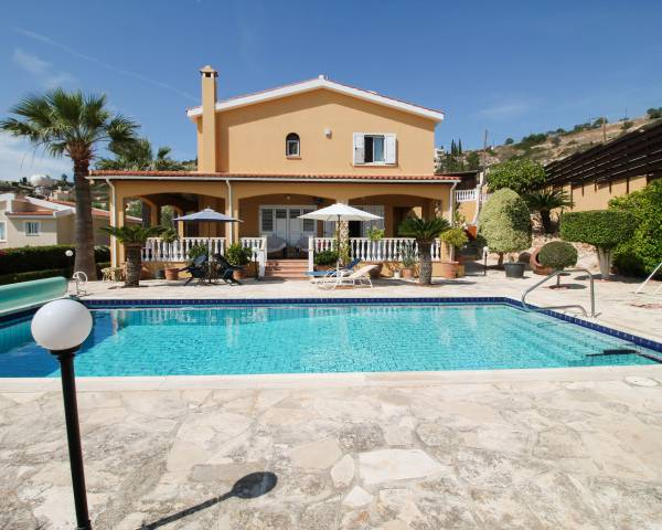 MLS7257 5 Bedroom Villa in Peyia