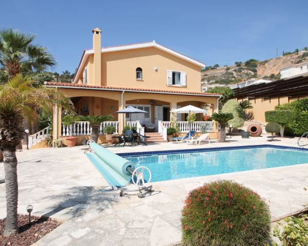 MLS7257 5 Bedroom Villa in Peyia