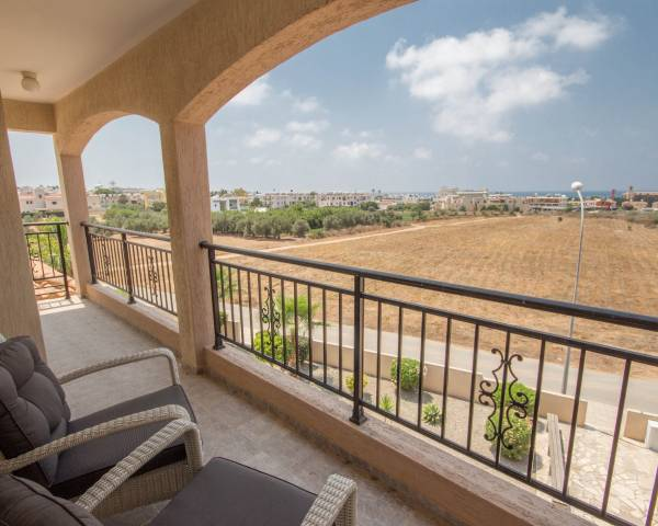 MLS7374 Penthouse 2 Bedroom 2 Bathroom Apartment in Tomb of the Kings