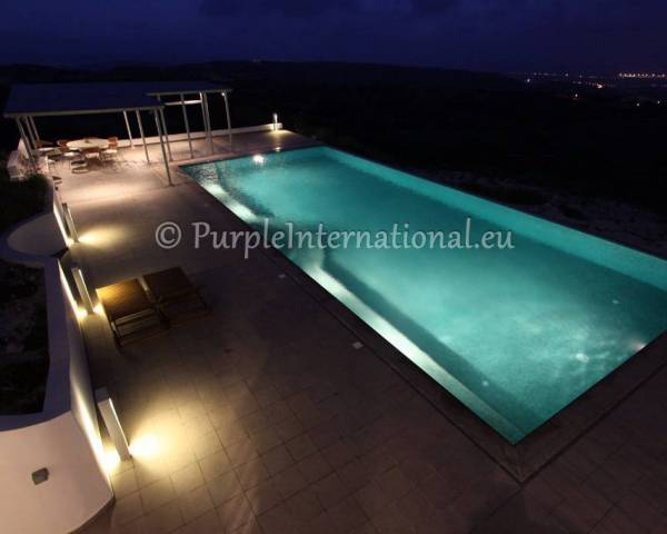 MLS7594 Luxury 6 Bed Villa In Armou