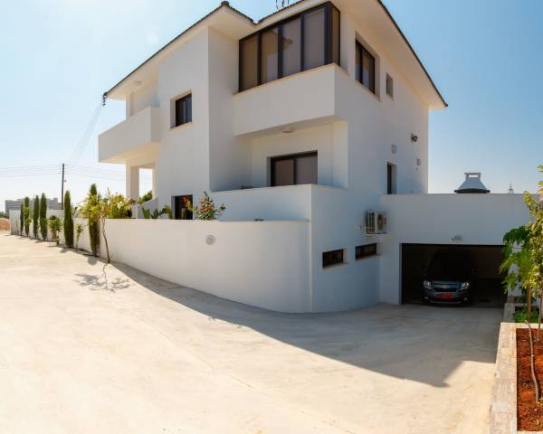MLS7671 Four Bedroom Detached Villa in Cape Greko