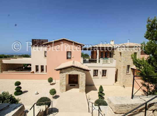 5 Bed Super Villa In Aphrodite Hills