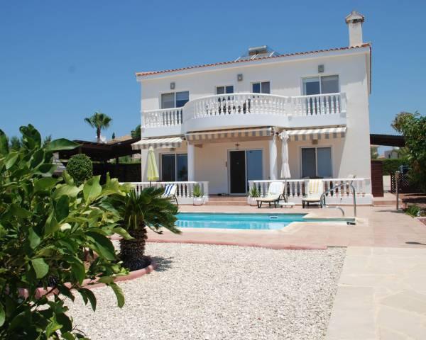 MLS7699 Impressive 5 Bedroom Villa in Saint George Peyia