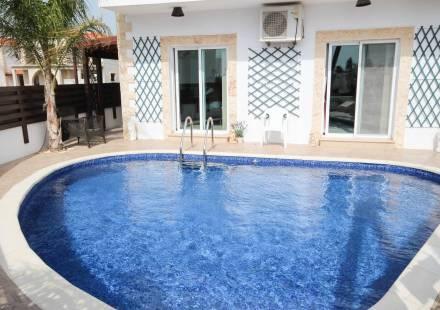 3 Bedroom Villa in Vrysoules <i>€ 165,000)}}