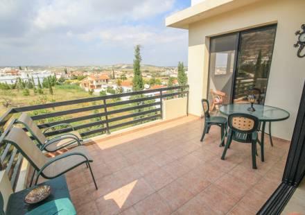 2 Bedroom Apartment in Oroklini <i>€ 119,500)}}