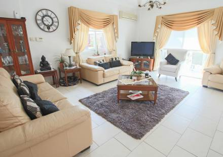 3 Bedroom Villa in Paralimni <i>€ 225,000)}}