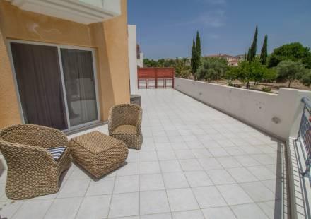 2 Bedroom Apartment in Anarita <i>€ 110,000)}}
