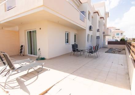 2 Bedroom Apartment in Paralimni <i>€ 107,000)}}