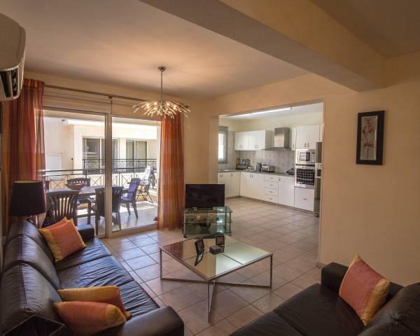MLS8618 3 Bed Apartment In Peyia