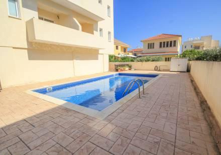 2 Bedroom Apartment in Oroklini <i>€ 85,000)}}