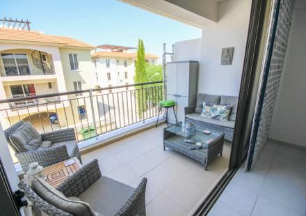 2 Bedroom Apartment in Mazotos <i>€ 95,000)}}