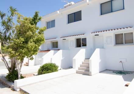 2 Bedroom Townhouse in Protaras <i>€ 230,000)}}
