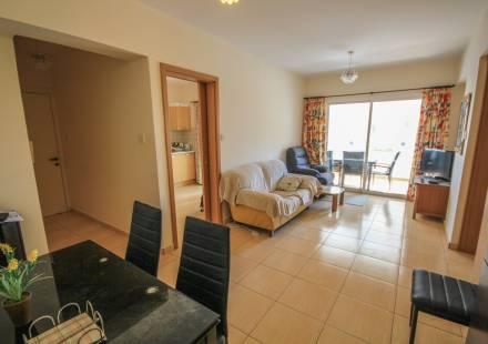 2 Bedroom Apartment in Larnaca Town <i>€ 129,500)}}