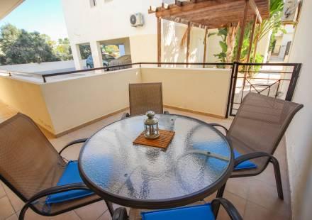 2 Bedroom Apartment in Kiti <i>€ 99,999)}}