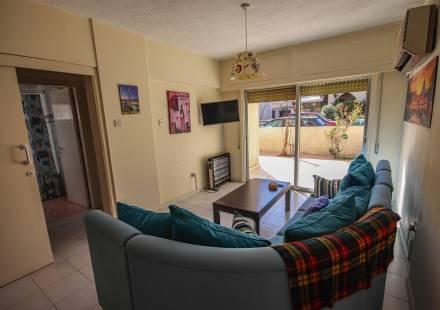 2 Bedroom Apartment in Larnaca Town <i>€ 120,000)}}