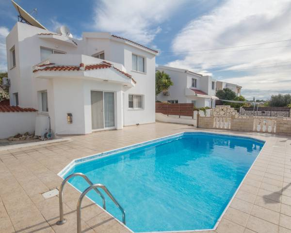 MLS8990 4 Bed Villa In Peyia