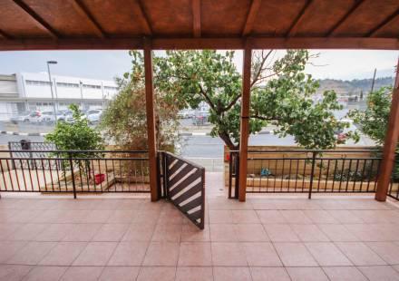 3 Bedroom Apartment in Oroklini <i>€ 140,000)}}