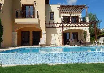 3 Bedroom Villa in Aphrodite Hills <i>€ 795,000)}}